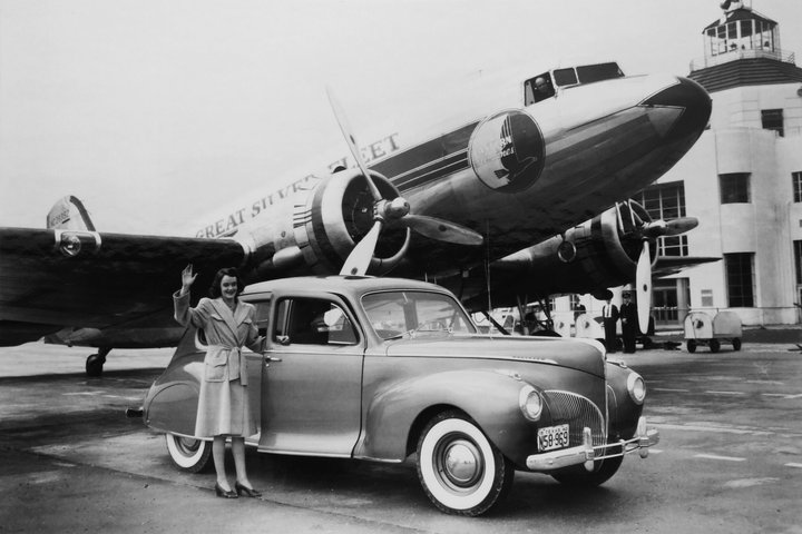 Hobby-Airport-historic-LADY-with-Ford.jpg