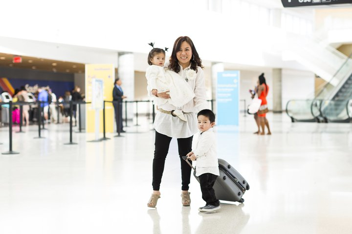 HOU-L2-Southwest-Ticketing Lobby-Family-Mother and child-9-30-16.jpg