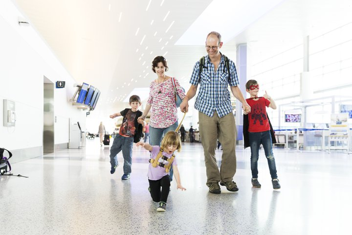 IAH Traveling with Kids | Houston Airport System
