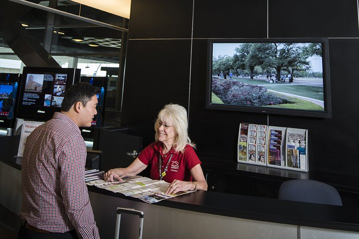 iah-visitor-information-airport-information-booth-crop-2015.jpg